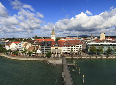 picture of the city of friedrichshafen